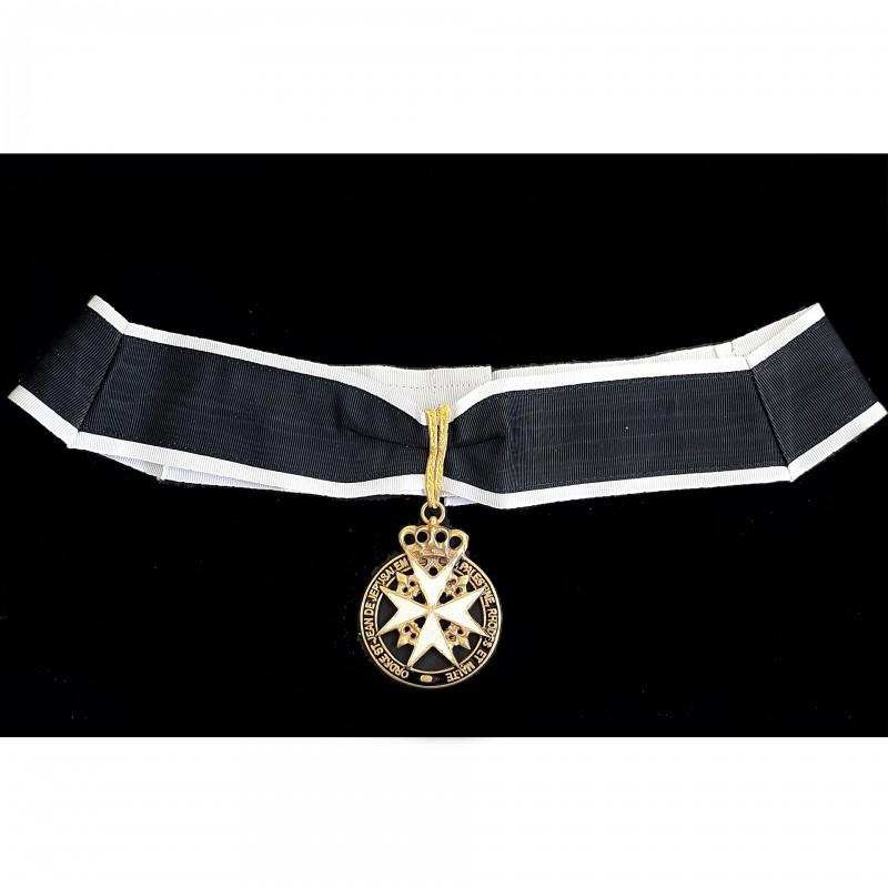 Bijou et collerette Gd. Officier MALTE, emblème couronné émaillé, collerette ruban Malte bords blancs,