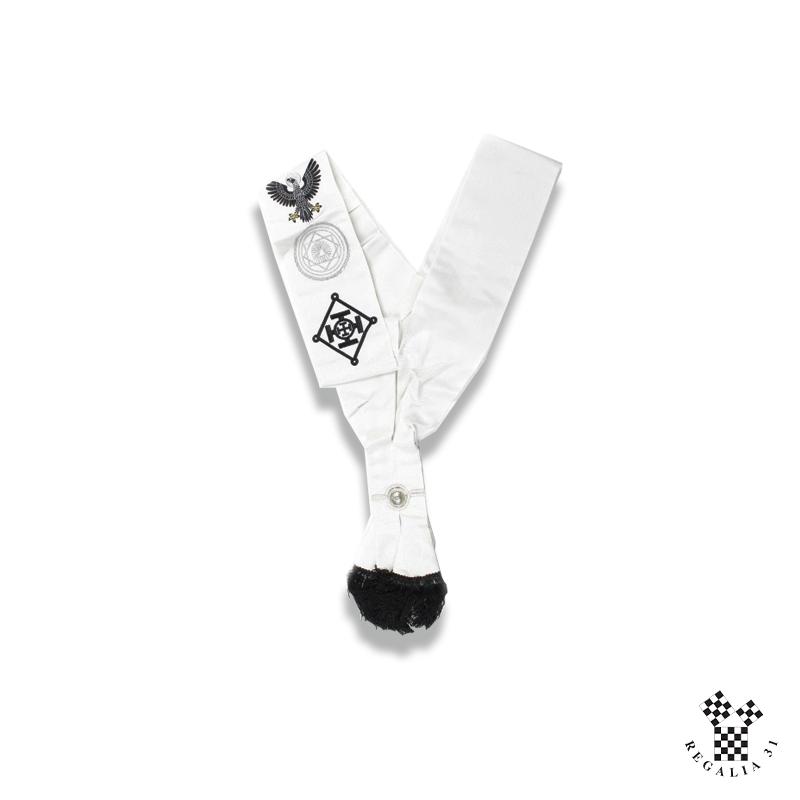 Echarpe CSS/SJE, moire blanche, frange noire, brodée emblèmes CSS et SJE
