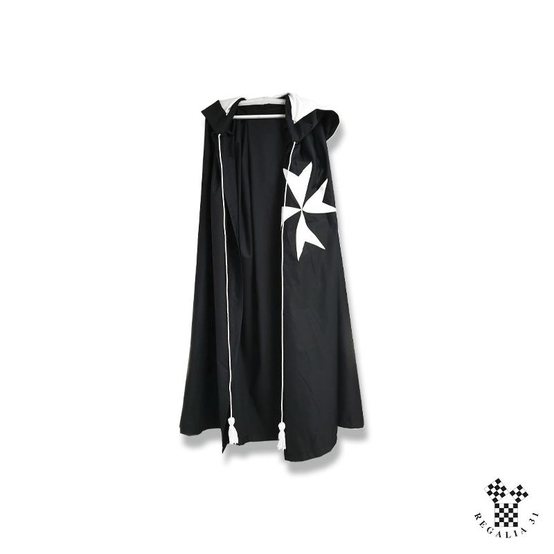 Manteau noir croix MALTE, capuchon doublé satin et cordelières blancs, polyester non doublé
